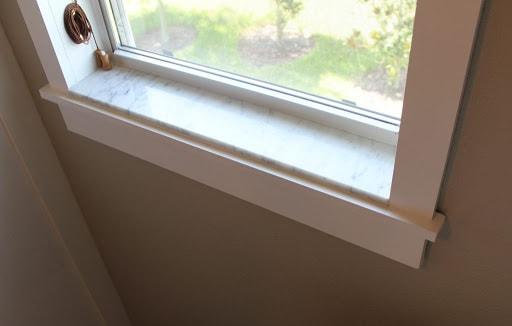 soleira de janela pequena