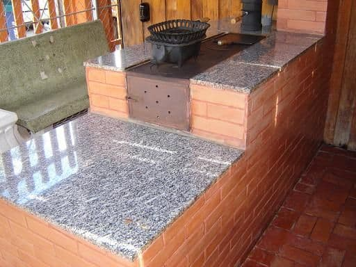 tijolo refratário em fogão a lenha