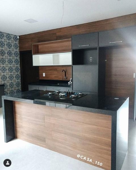 cozinha com ilha de granito preto São Gabriel