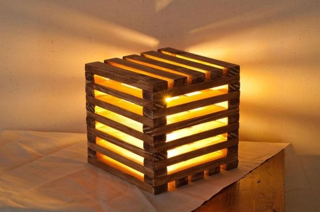 abajur moderno de madeira