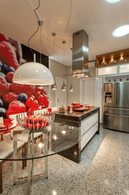 cozinha moderna com piso de granito claro