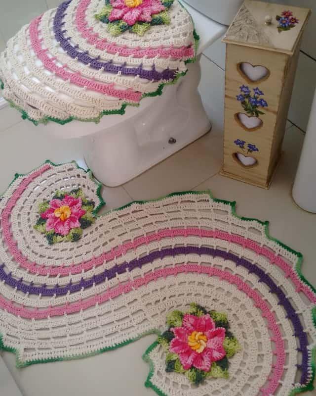 jogo de tapetes coloridos para banheiro