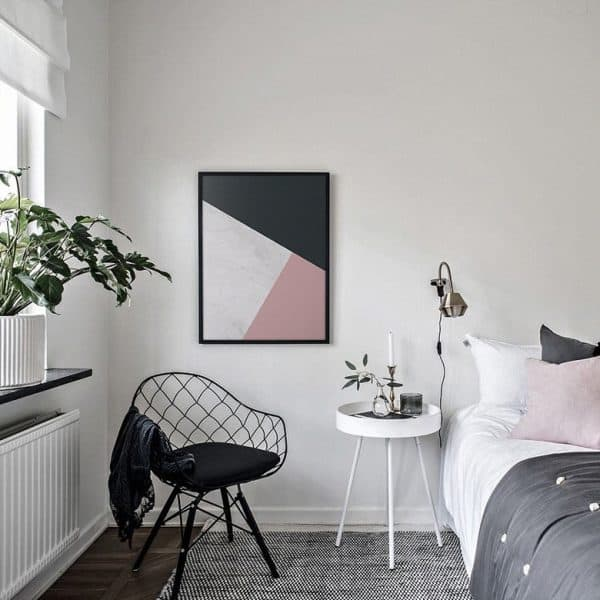 quadro neutro decorado com quadro geométrico