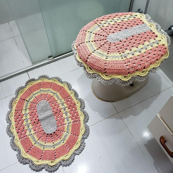 conjunto em crochê colorido para banheiro