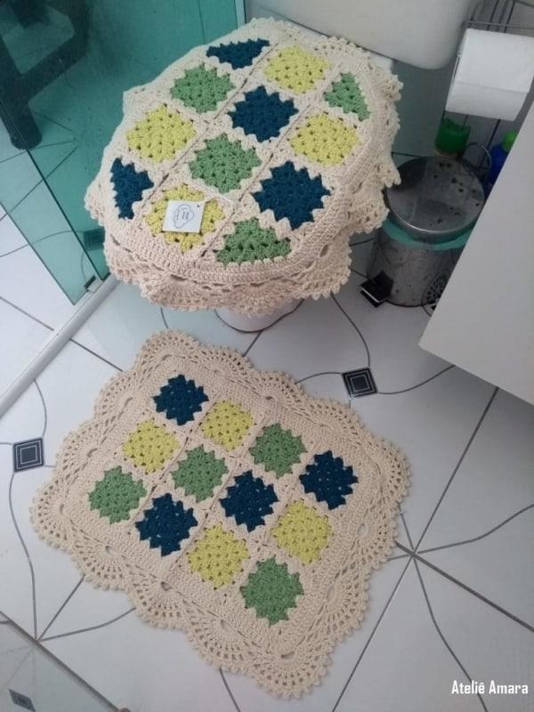 tapete de banheiro quadrado em crochê square