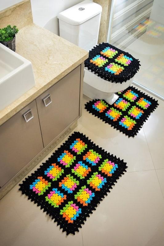 conjunto de tapetes de crochê moderno para banheiro