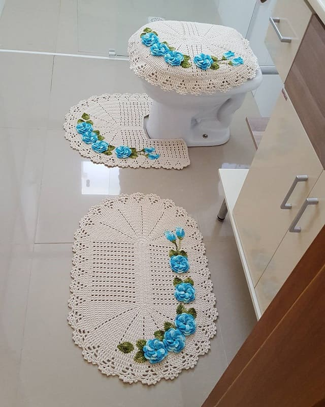 conjunto de tapetes de barbante com flores para banheiro