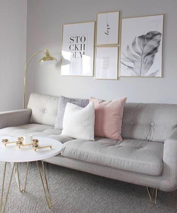 sala com quadros preto e branco estilo tumblr