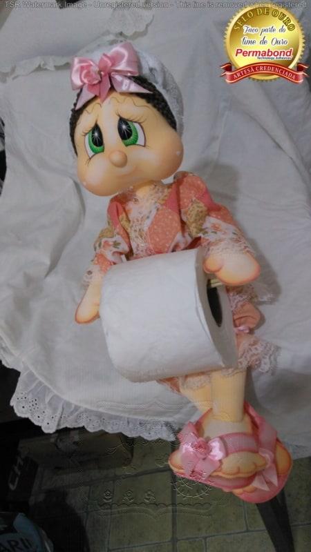 Boneca porta papel higiênico de EVA com laço na cabeça2