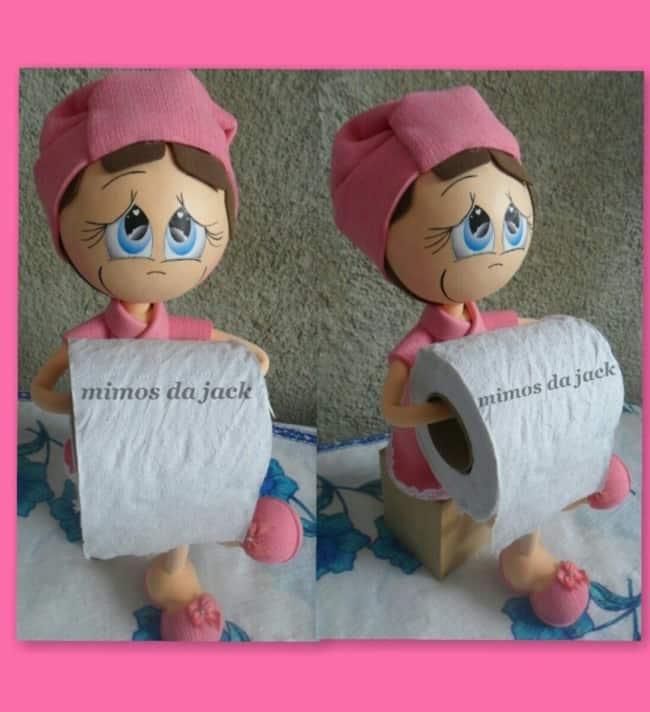 Boneca porta papel higiênico de EVA com roupa rosa4