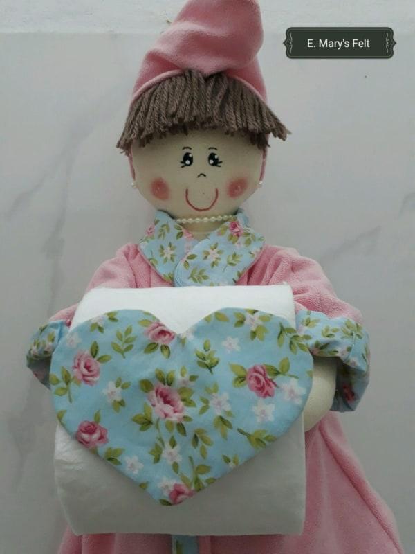 Boneca porta papel higiênico de feltro12