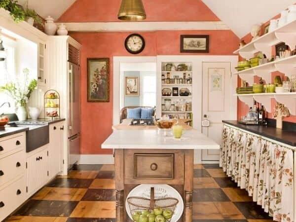 Cor coral na cozinha com diversas cores
