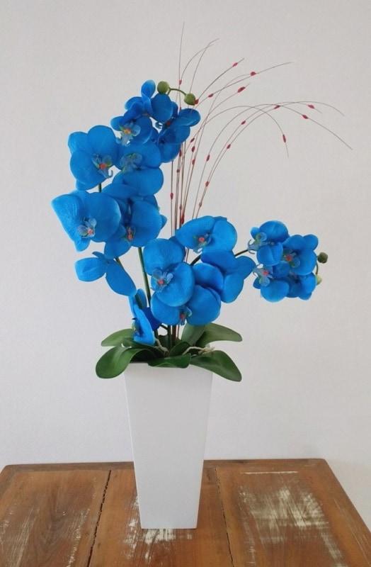 lindo vaso de orquideas