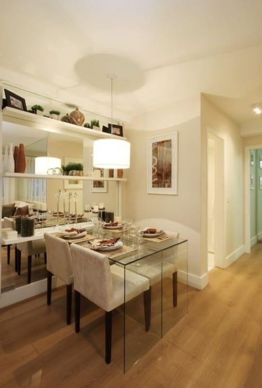 mesa de jantar pequena em vidro