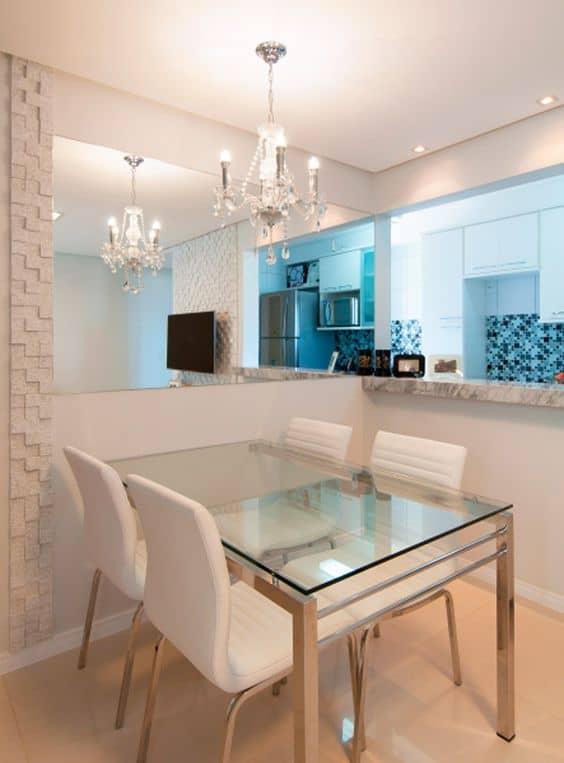 mesa de jantar retangular de vidro com base em inox