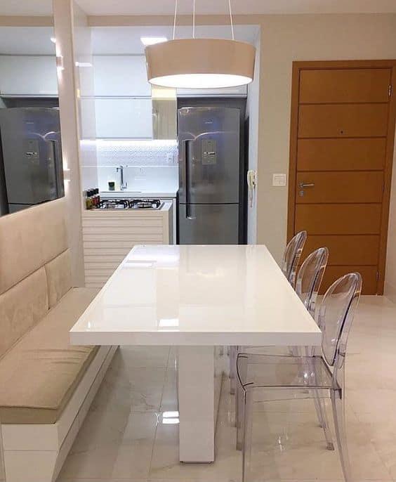 mesa de jantar branca e moderna