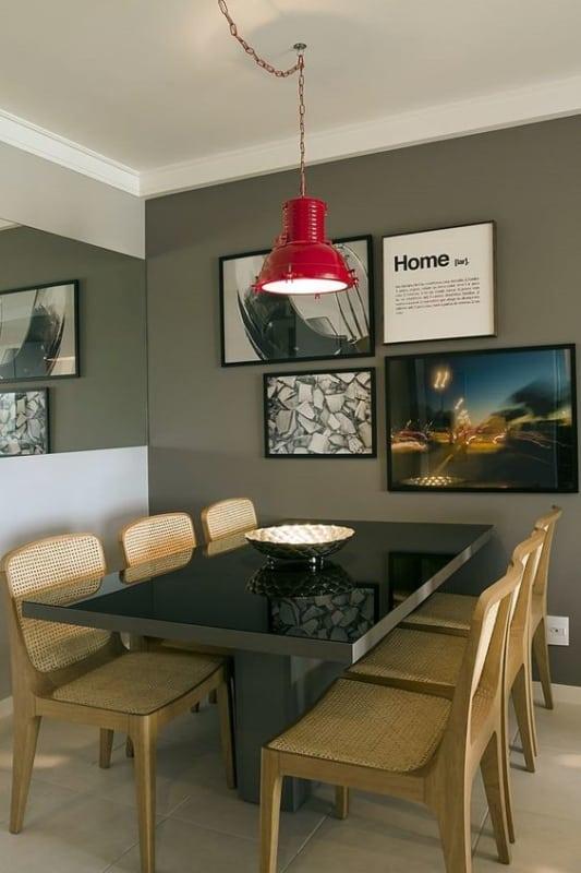 mesa de jantar retangular com tampo de vidro preto