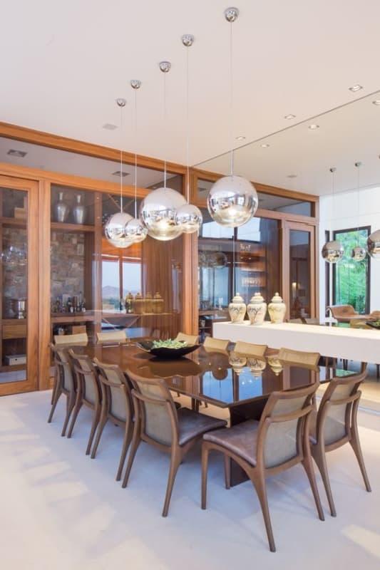 sala de jantar com mesa retangular e moderna grande