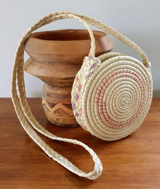 Bolsa de artesanato indígena