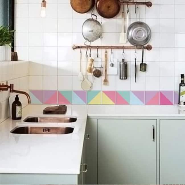 faixa para cozinha adesivada colorida
