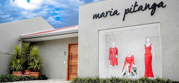 fachada e nome para loja de roupas femininas