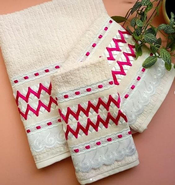 kit de toalhas bordadas em fita