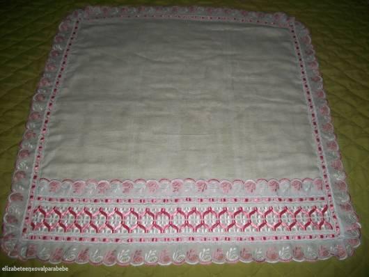 fralda de tecido para bebê decorada em fita