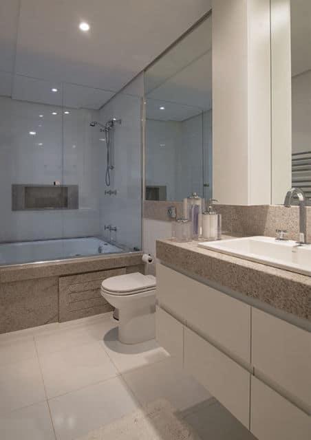 banheiro com granito Aqualux