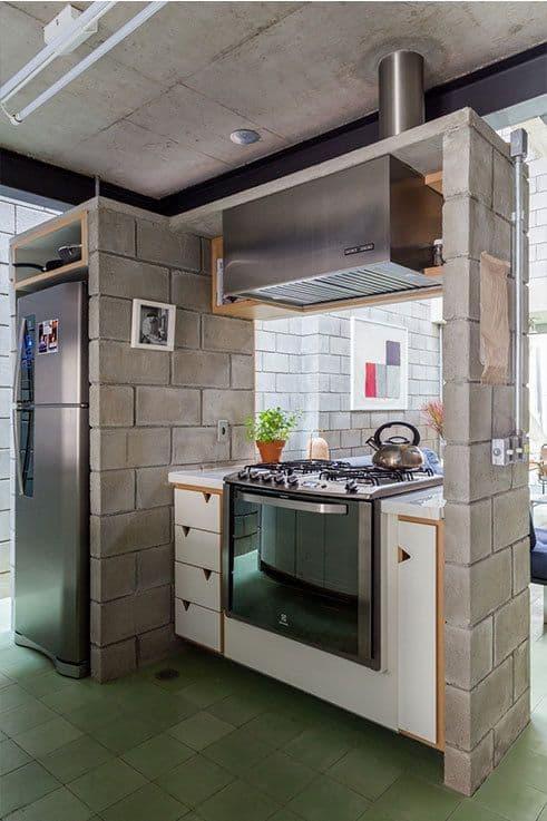 cozinha com blocos de concreto aparentes