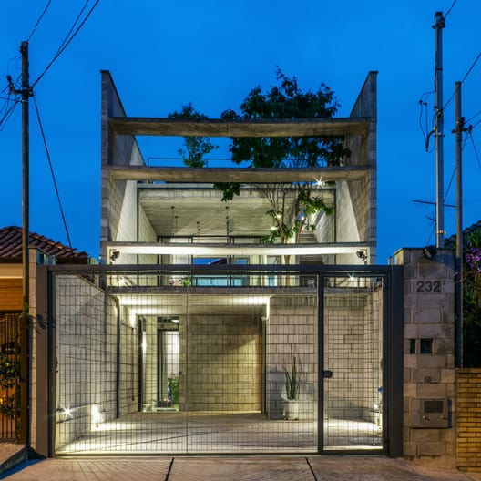 casa com fachada de blocos aparentes