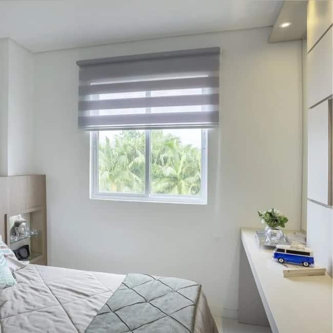 quarto com cortina de tecido double vision