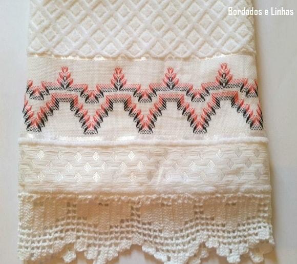 toalha bordada e decorada em linha