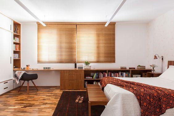 quarto de casal com cortina persiana de bambu