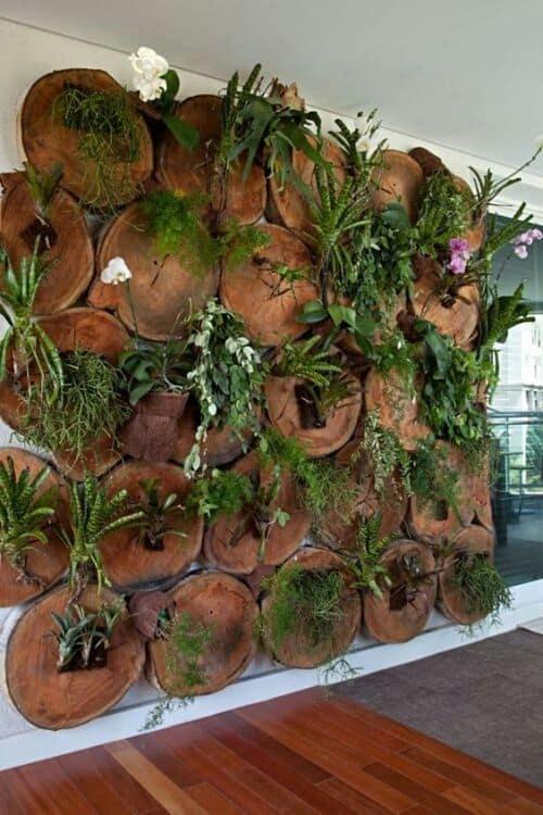 jardim vertical com bolachas de madeira