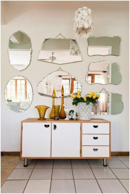 Aparador pequeno branco com espelho18