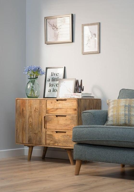Aparador pequeno para sala em madeira3