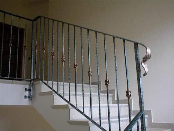 Balaústre de ferro em escada