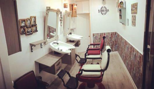 Barbearia pequena e super decorada