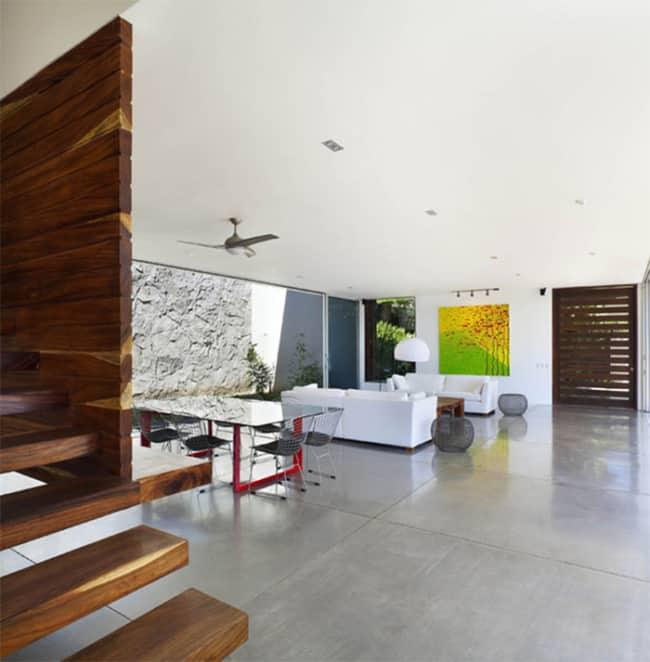 Casa com piso de cimento queimado