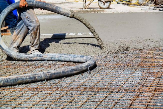 Concreto bombeado para construção civil