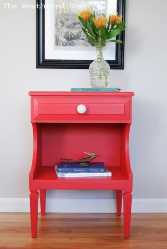 Criado-mudo vermelho com uma gaveta19