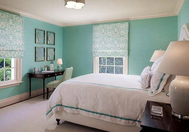 Decoração azul tiffany e branca em quarto grande58