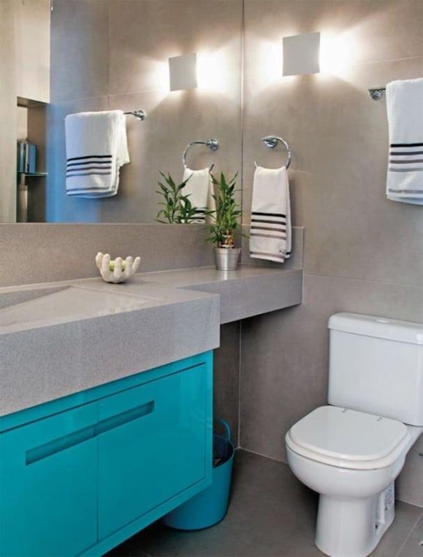 Decoração azul tiffany e cinza em banheiro69