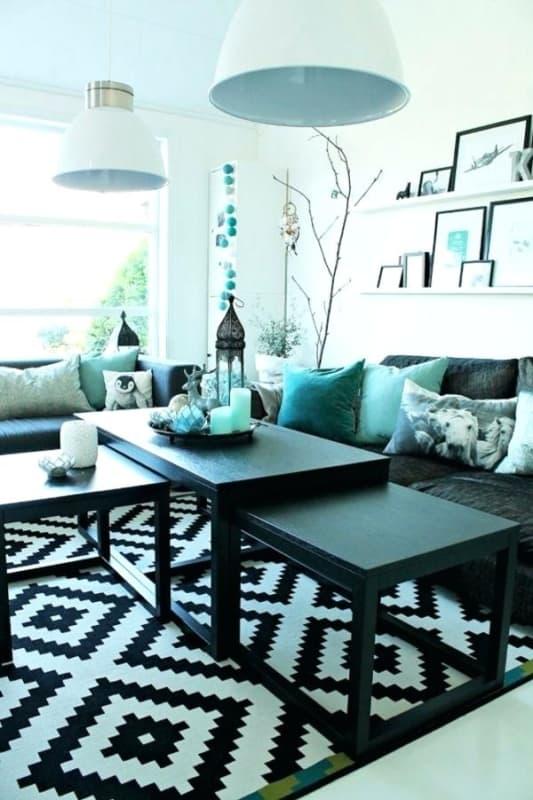 Decoração com almofadas azul tiffany em sala48