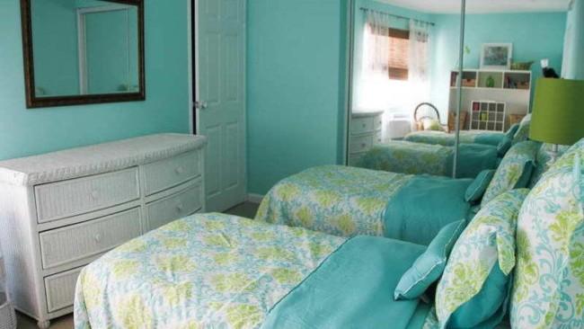 Decoração com parede azul tiffany em quarto pequeno37