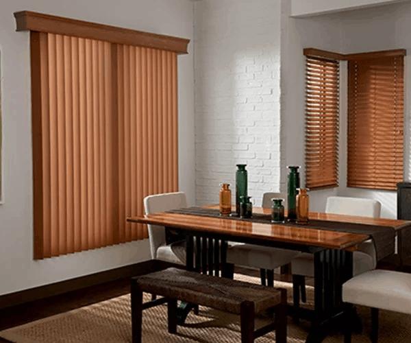 Modelo curto de persiana de madeira