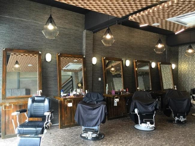 Modelo de barbearia moderna e minimalista
