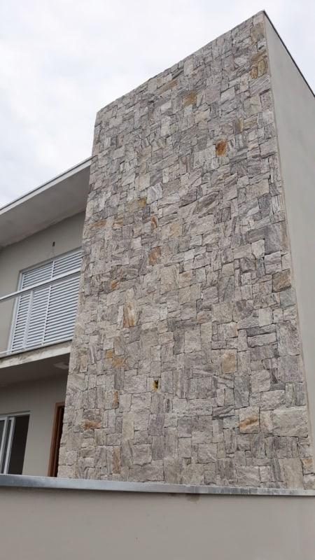 Pedra madeira branca em casas