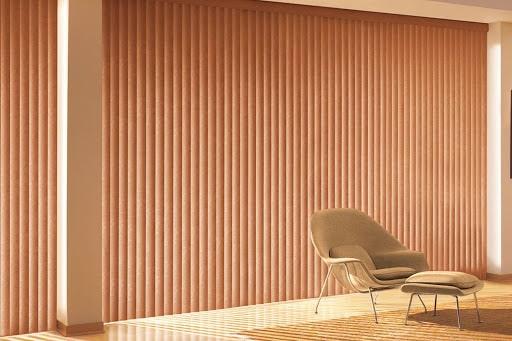 Persiana vertical de madeira