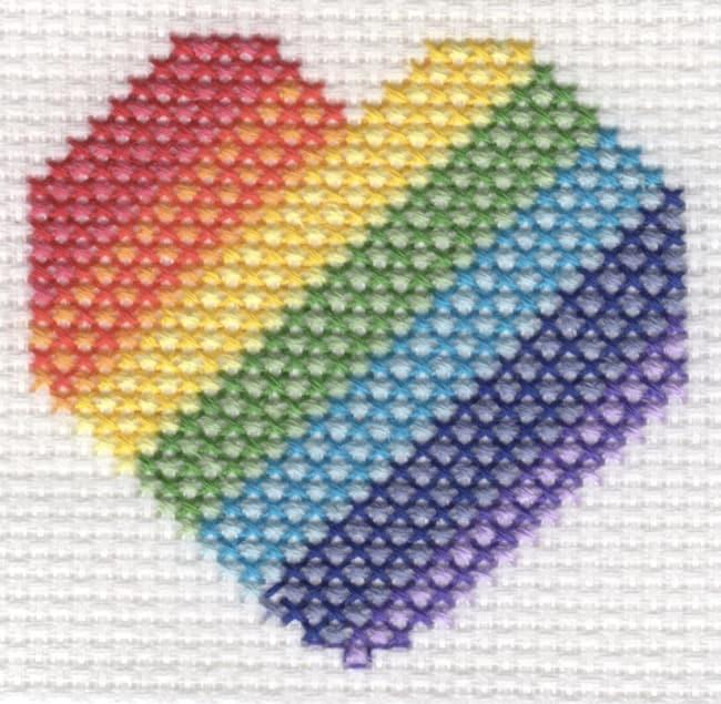 Ponto cruz de coração colorido44